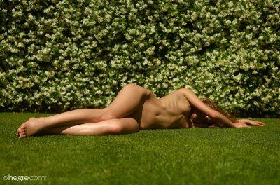 Julia Yaroshenko nue pour Hegre Art