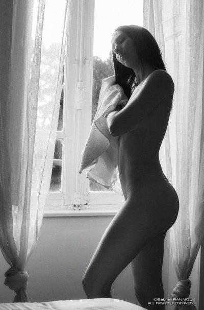 Séance photo de nu par sabine Rannou en Bretagne
