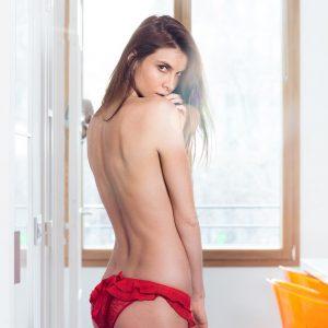 Alexandra Zimny nue