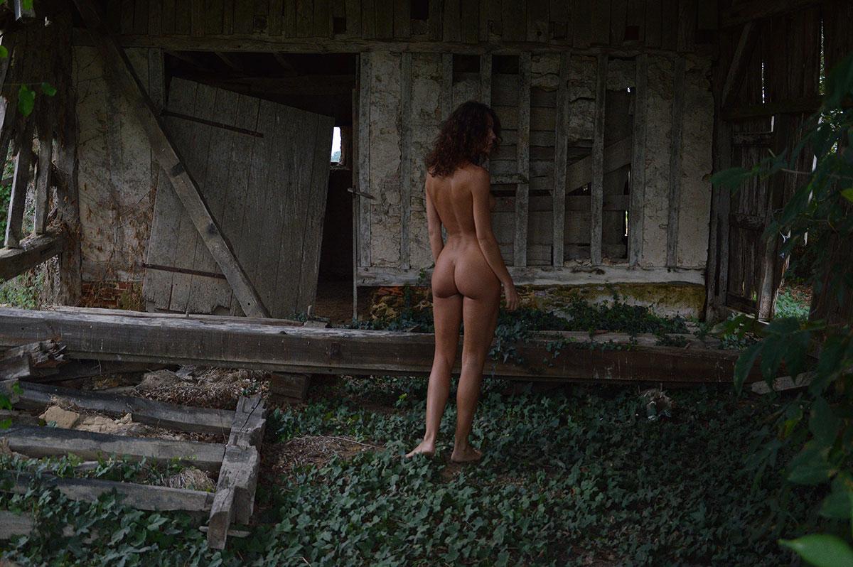 Andja Lorein nue