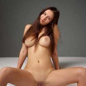Photo erotique d'Alisa par petter Hegre