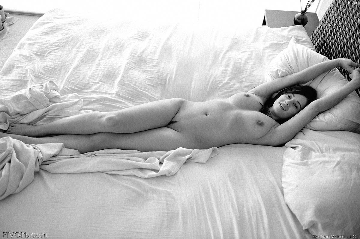 Robin Rieff's Nude Photo Shoot